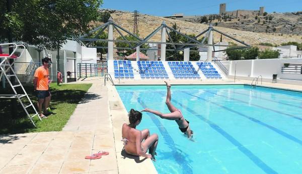 La piscina del tomillo saca el cartel de completo - Piscina de jodar ...