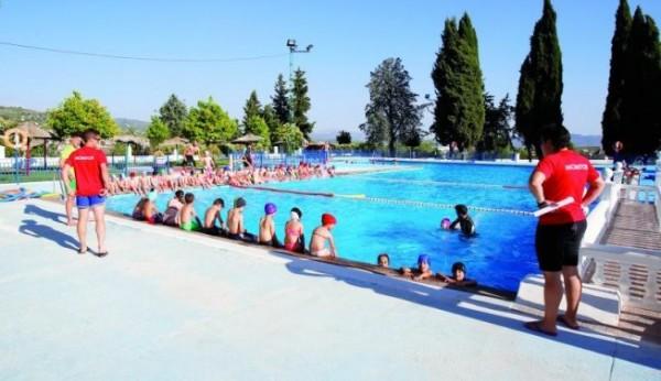 Los cursos de nataci n abren la temporada en la piscina - Piscina de jodar ...