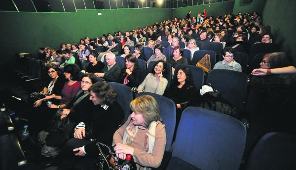 Cae La Venta De Entradas Para Ir Al Cine Ni A Una Por Cabeza