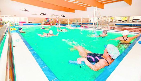 La piscina sigue en manos locales - Piscina de jodar ...