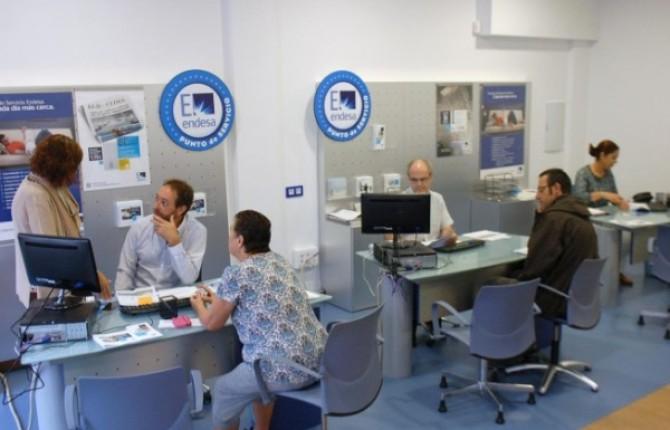 Una nueva oficina comercial de endesa abre tras las quejas for Oficinas de endesa en malaga