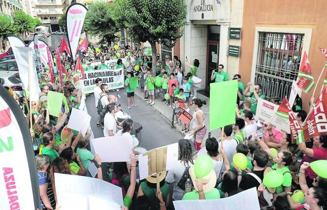 Concentración ante la Delegación de Educación de Jaén - 06/09/2016