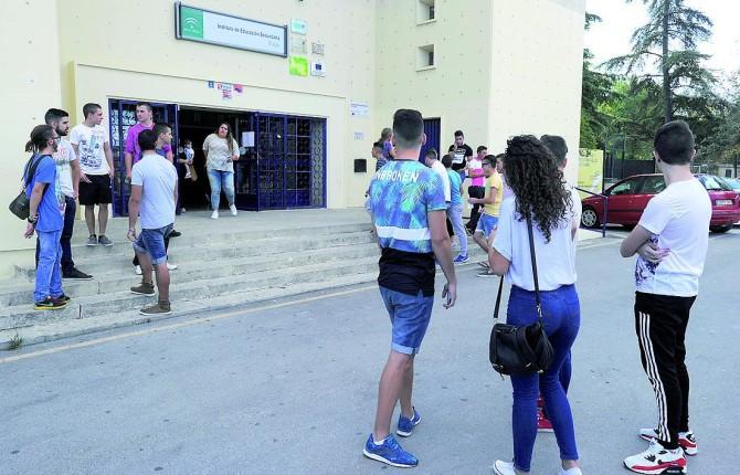 Intercambios escolares para aprender idiomas for Instituto puerta de cuartos