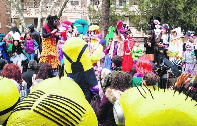 El Carnaval Se Despide Con Un Final De Fiesta Entre Comparsas